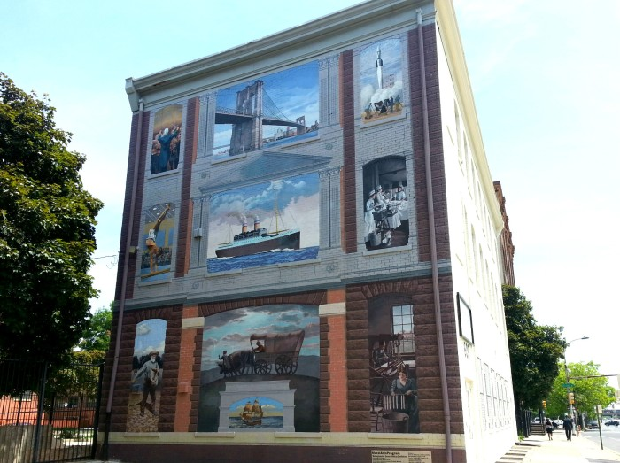 building mural in Philadelphia