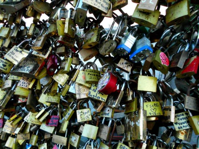 Love locks on Pont des Artes, 2013